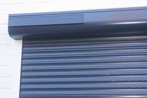 Rolluik zonne-energie autonoom buiten (B180 cm x H150 cm RAL7016)